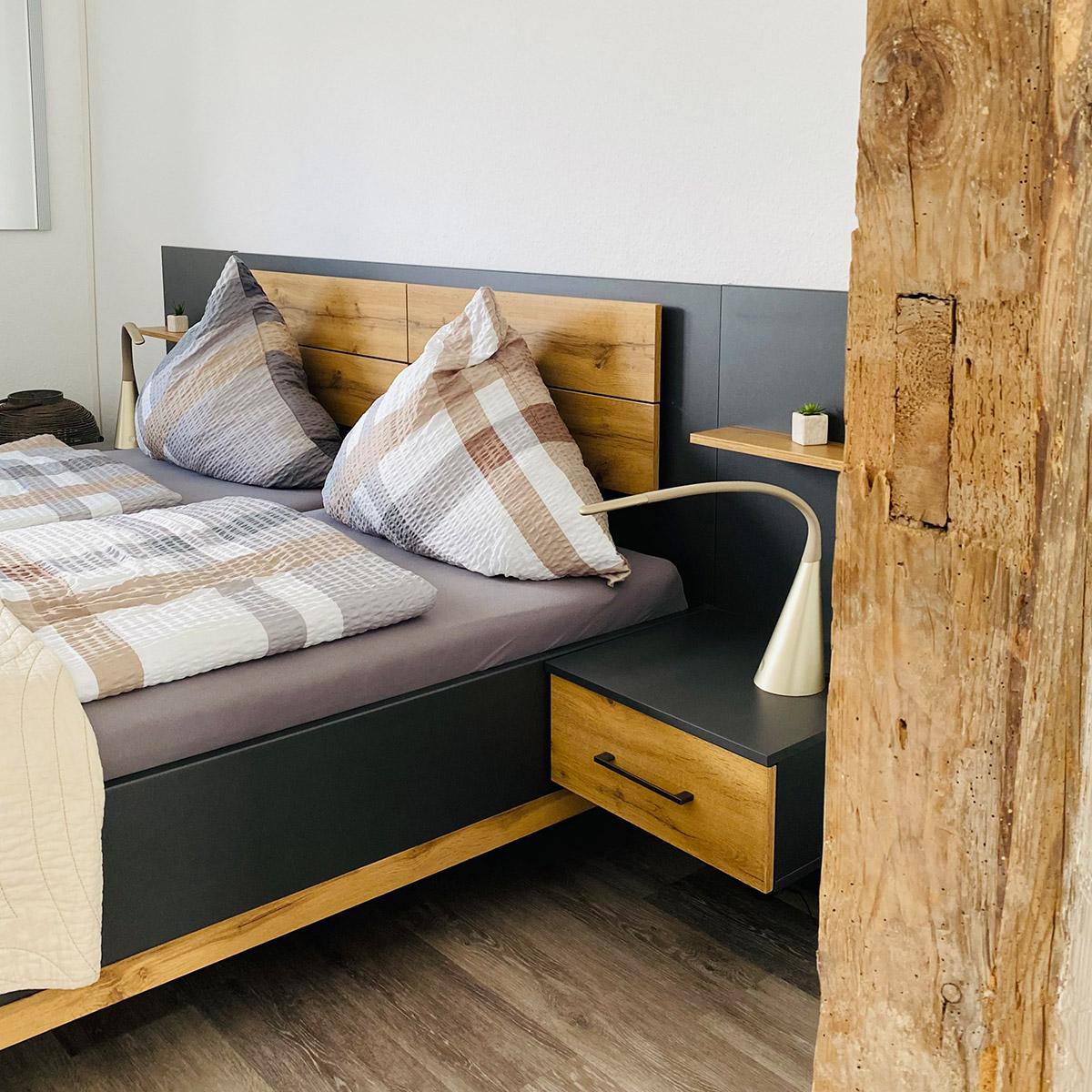 Ferienwohnungen Naturzeit Gänseblümchen Schlafzimmer