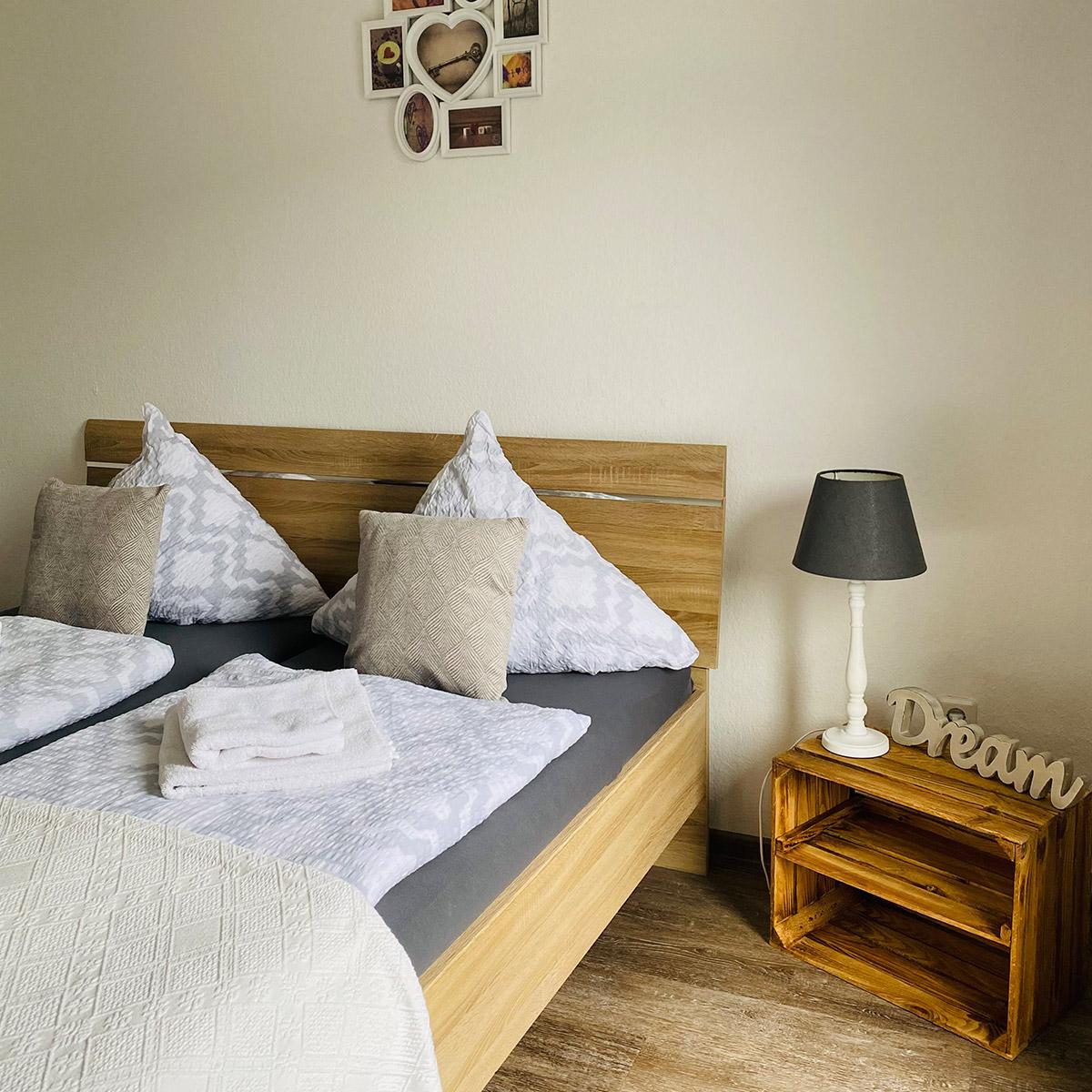 Ferienwohnungen Naturzeit Ruhezeit Schlafzimmer